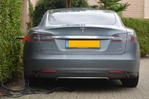 electric-car-513627_1280